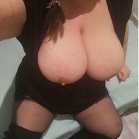 Sexy vollbusige Mollymaus Wienerin nur Haus und Hotelbesuche